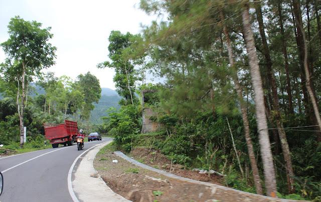 Jalan-Jalan ke Jawa Tengah Pake Mobil Rempong !