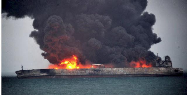 Ένα μήνα θα καίει η φωτιά στο ιρανικό δεξαμενόπλοιο ανοιχτά της Σαγκάης