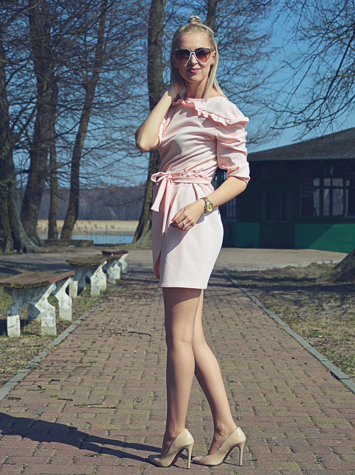 Pastelowa sukienka od pakuten.pl