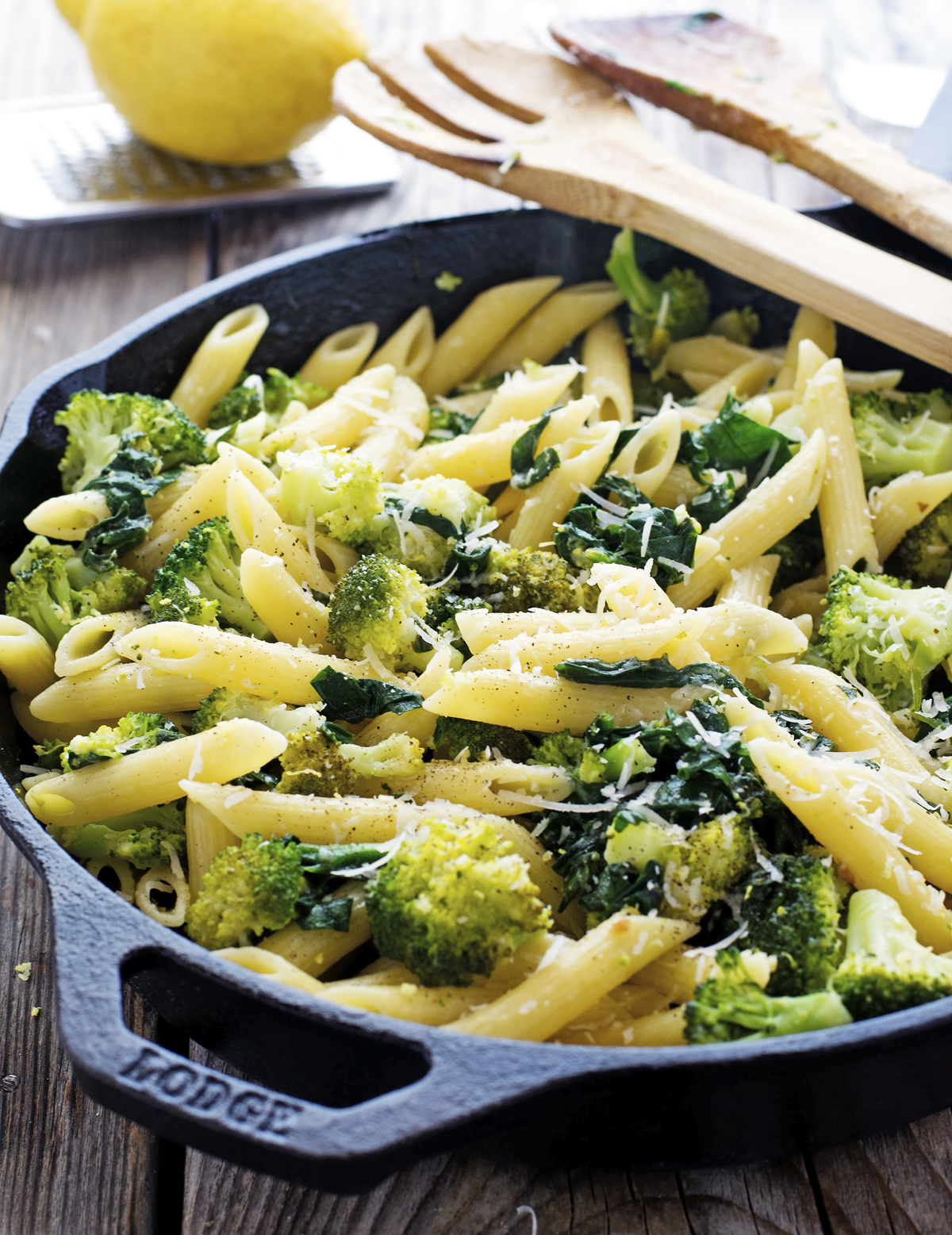 Quick Lemon Broccoli Pasta Skillet