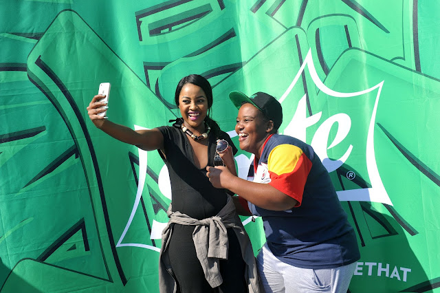Omuhle taking selfies with TUT student #thelifesway #photoyatra