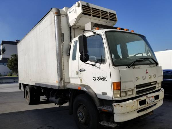 2005 Mitsubishi FUSO Refrigerated Reefer Box Truck
