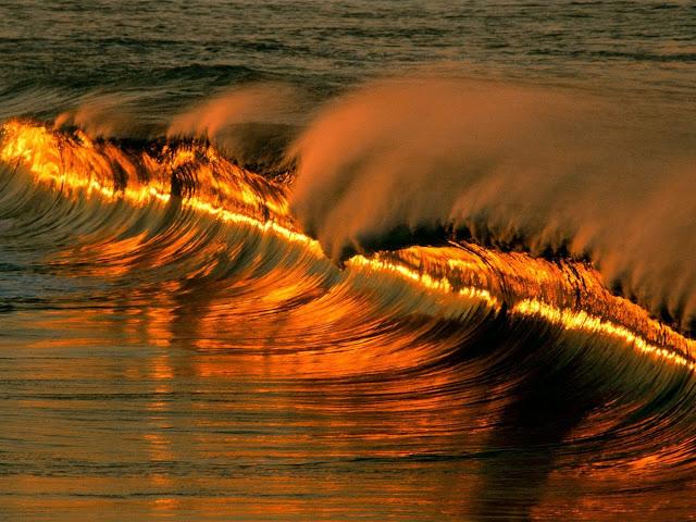 आग पानी से क्यों बुझ जाती है?