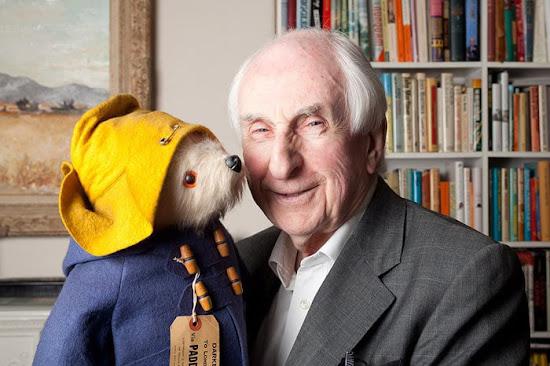 Michael Bond, criador do ursinho Paddington, morre aos 91 anos | Ordem da Fênix Brasileira