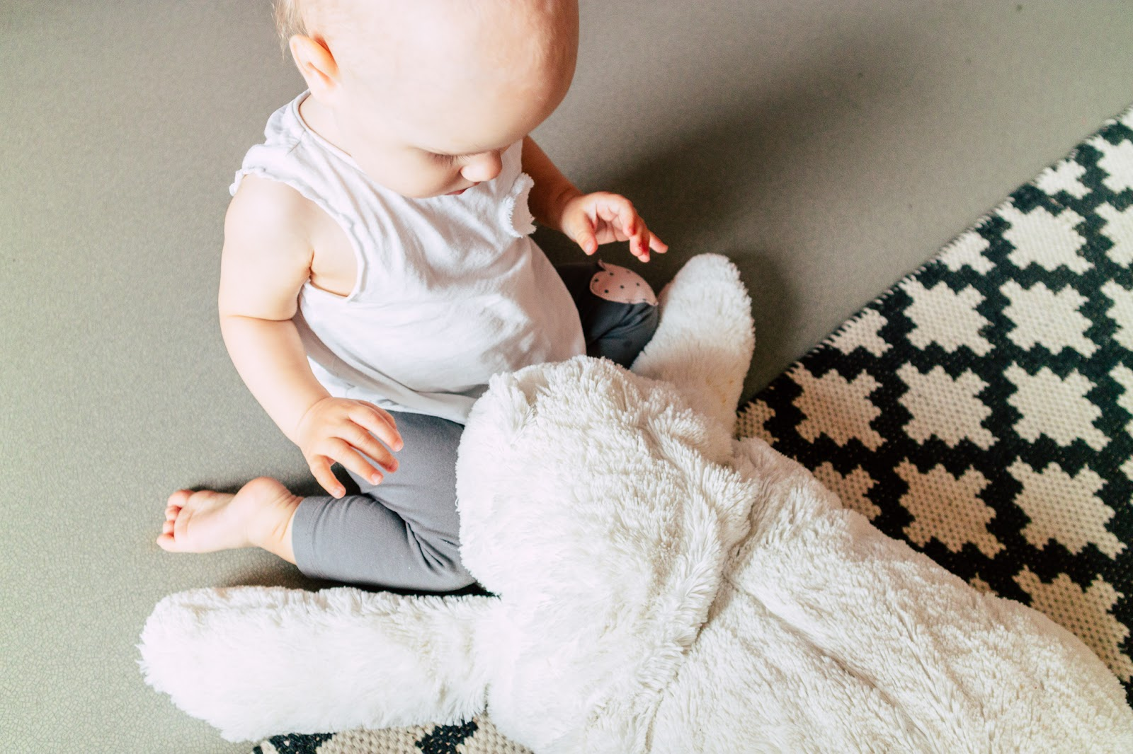 vauva, vauvavuosi, kymmenen kuukautta, kymmenkuinen,