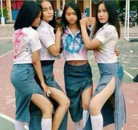 Foto Hot Gadis SMK Pamer Toket Dan Paha Mulus Banget
