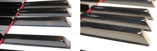 (左圖)一般鋼琴品牌的琴鍵為壓克力平滑面。(右圖)手工製作的史坦威(Steinway & Sons)與波士頓(Boston)名琴:琴鍵木紋展現高質感。