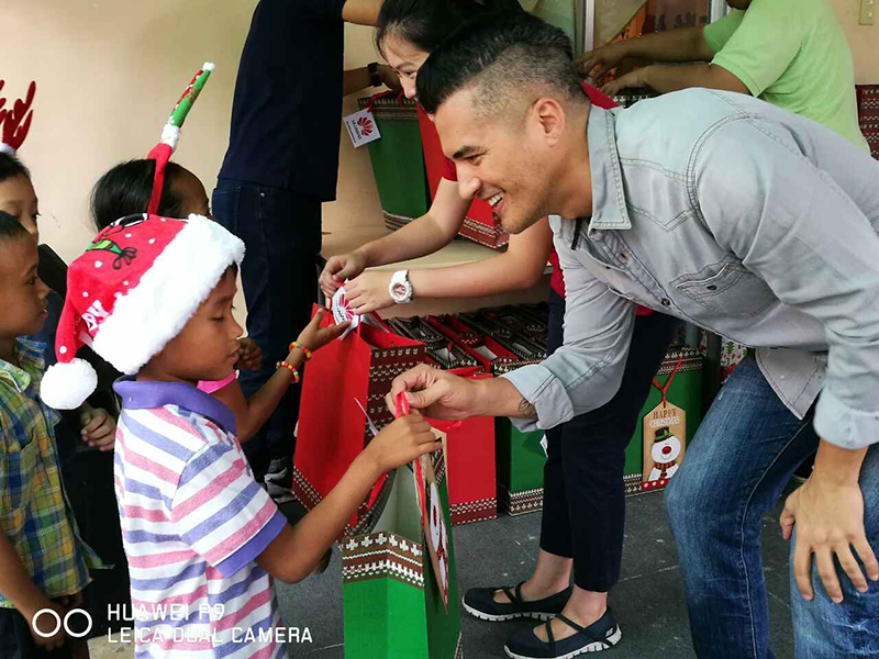 #GiveMoreWithHuawei Donates Over PHP 250K For Kids Last Christmas