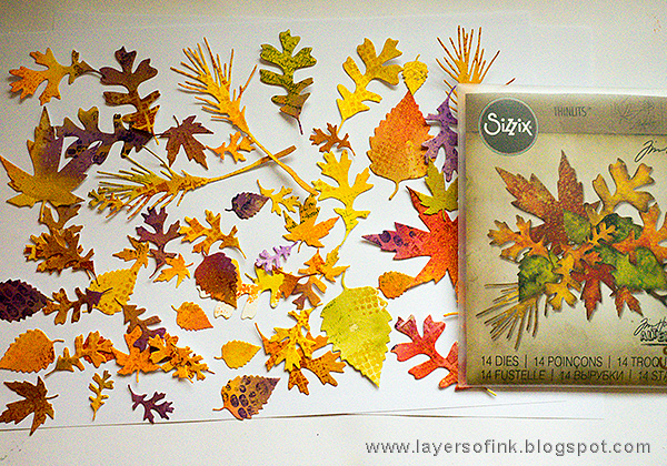 Layers of ink - Vibrant Leaves Wreath Tutorial by Anna-Karin with Tim Holtz Sizzix Fall Foliage.