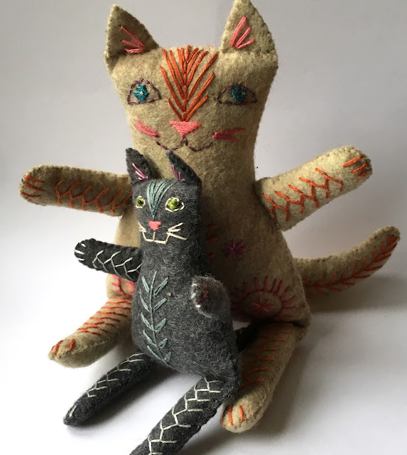 Easy to make felt cat family