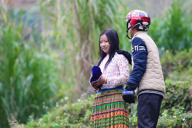 """Pulling Wife"" - The strange customs of Mong people in Sapa 2"