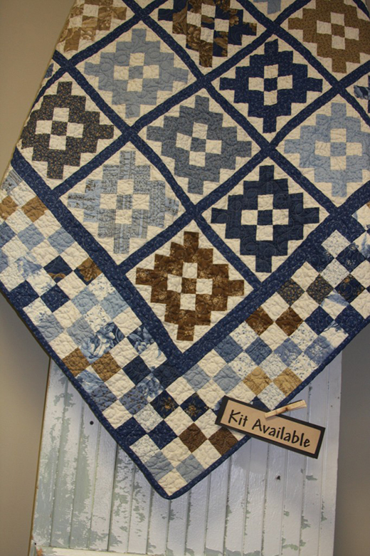 Blueberry Crumb Cake Quilt by American-Quilting, The Pattern designed by Blackbird Designs for Moda