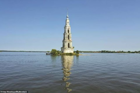 Igrejas em ruínas e templos esquecidos