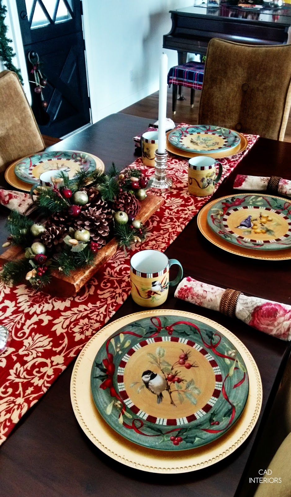 holiday table setting budget decorating design tips table arrangements lenox holiday dish collection red green gold
