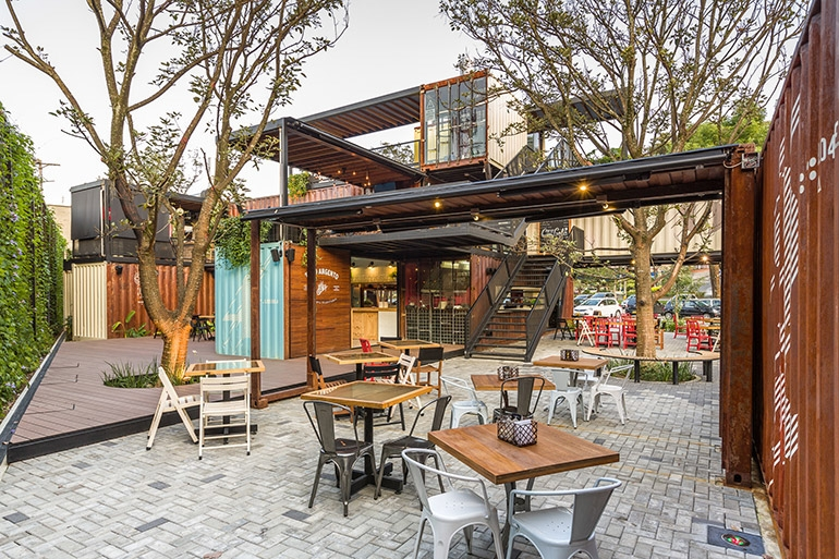 15-Shipping-Container-Architecture-6-Restaurants-in-the-Contenedores-Food-Place-www-designstack-co