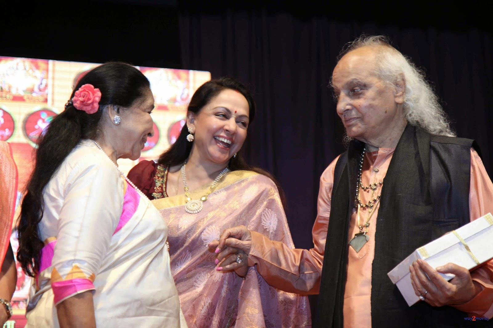 Asha Bhosle, Hema Malini and other at Launching of 'Veena Mudra' Book