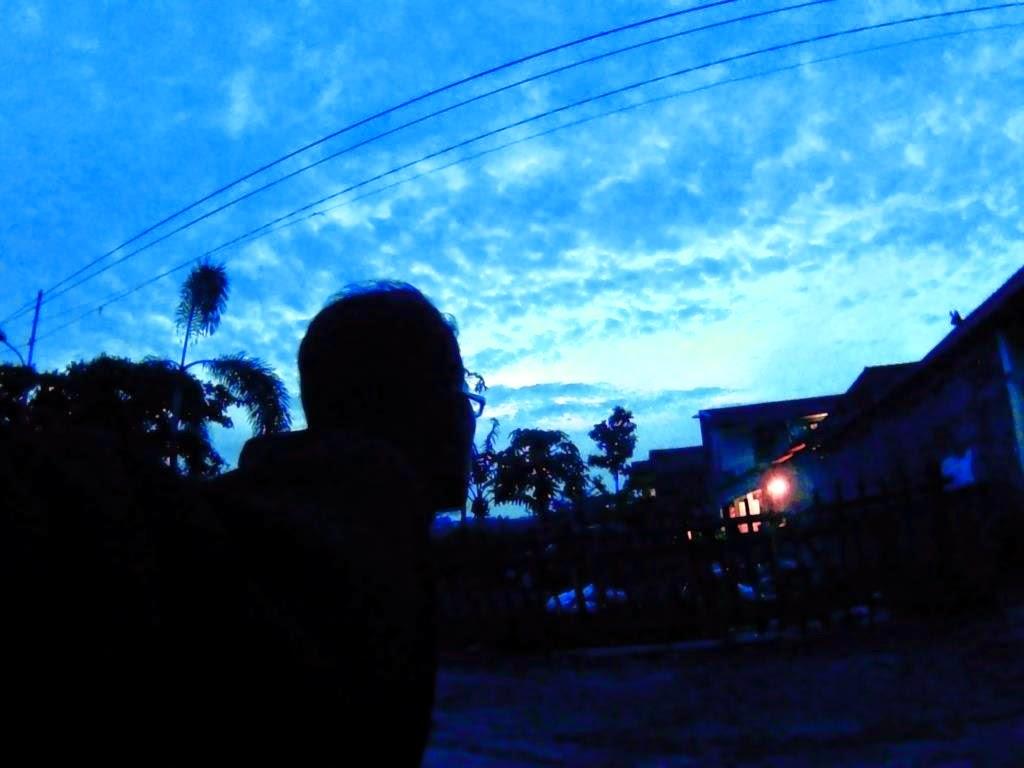Ikut nampang di saat matahari masih malu :D