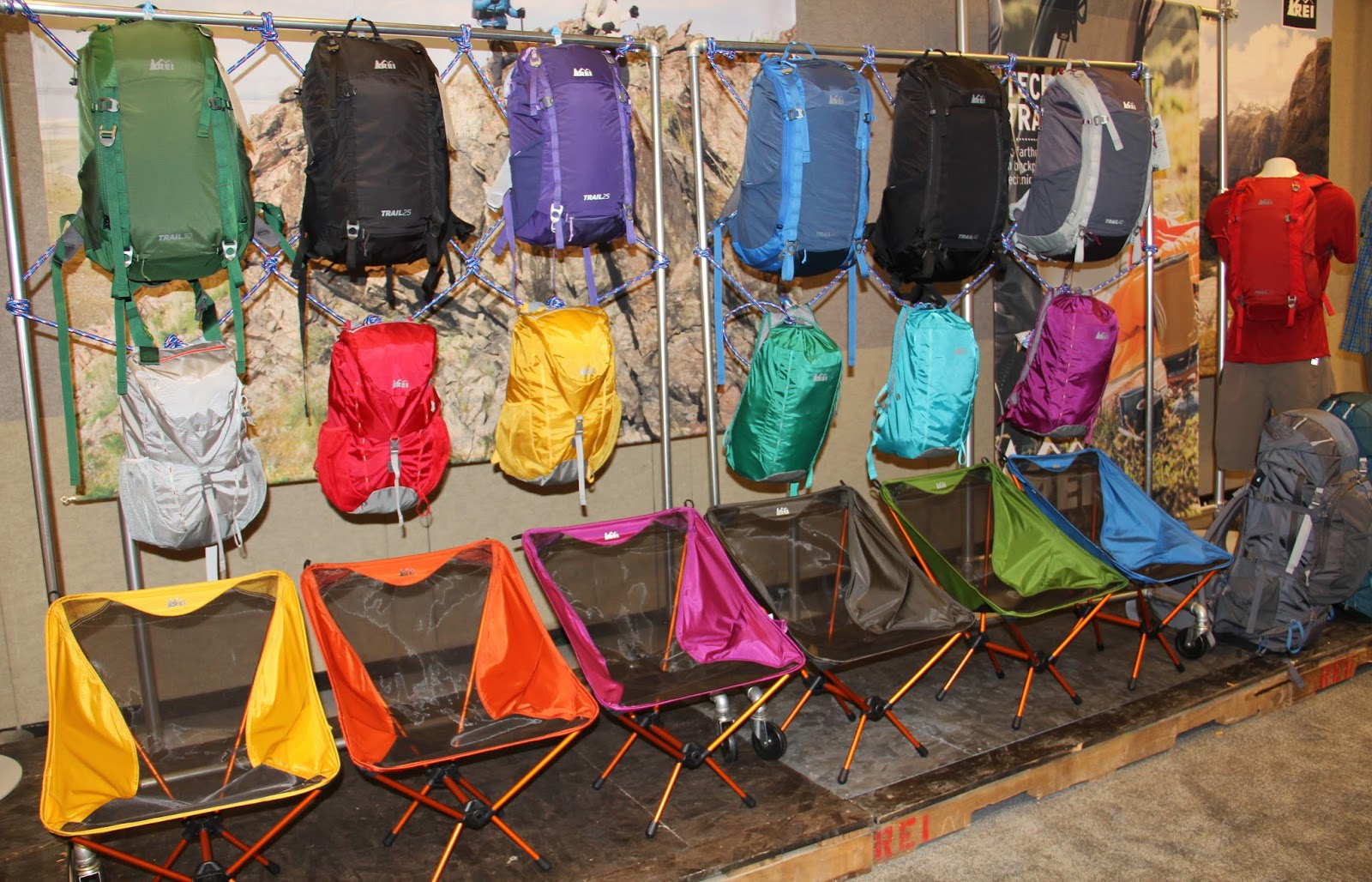 Color Print Trends Solid Saturated Outdoor Retailer S 2015 Espro Napoly Genuine Leather Portofolio Bag Black Rei Trail Daypacks Come In Gender Specific Different Sizes Multiple Pockets Mesh Shaped Cushioned Back Panels Ez Access Center Compartment Comes With A