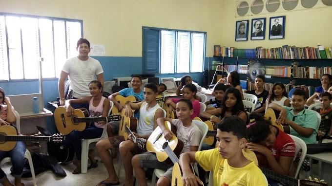 Macaíba: A união de várias oficinas culturais com as disciplinas formais avança para a Educação Integral
