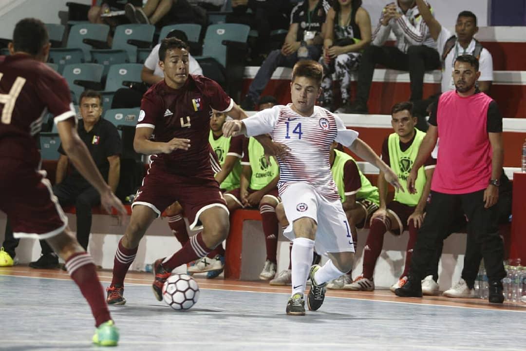 Cabe destacar que la Sudamericana de la Zona Sur fue ganada por Paraguay  por lo que espera por el rival en lambas categorías para disputar la final  de la ... c535ea525ca03