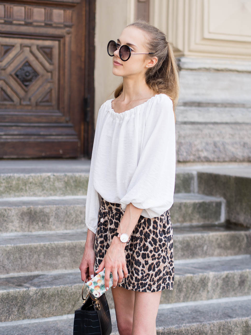 leopard-print-shorts-summer-outfit-fashion-blogger