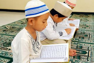 Anak Menghafal Al-Qur'an