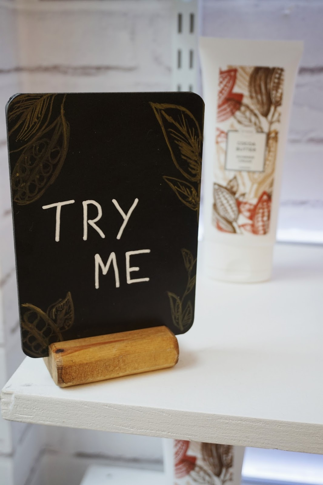 Try Me signs were placed around the Eness Cosmetics store at the blogger event