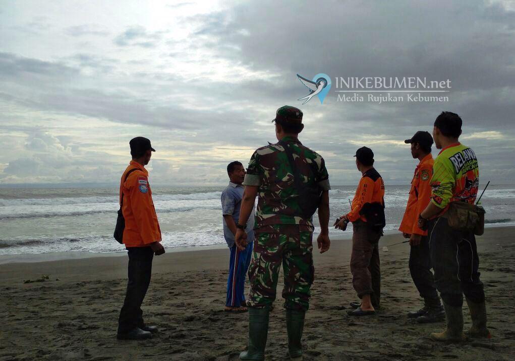 Pelajar SMPN 2 Prembun Hilang Diseret Ombak Pantai Lembupurwo