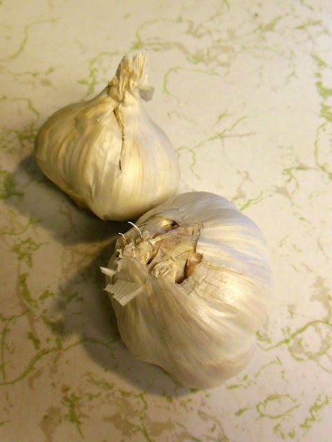 Ready to use garlic in a jar, without preservatives.