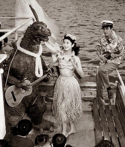 Godzilla bailando junto a sus amigos