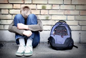 ΕΡΕΥΝΑ ΣΟΚ Για την Σεξουαλική Βία! Γιατί τόσες Πολλές Γυναίκες Βιάζουν Αγόρια;