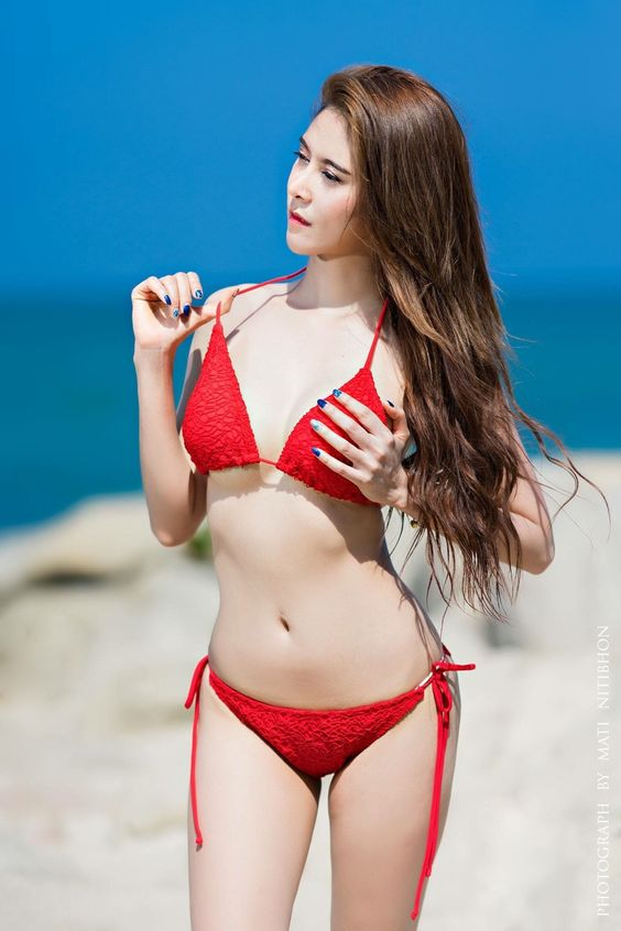 Skimpy asian bikini — photo 2