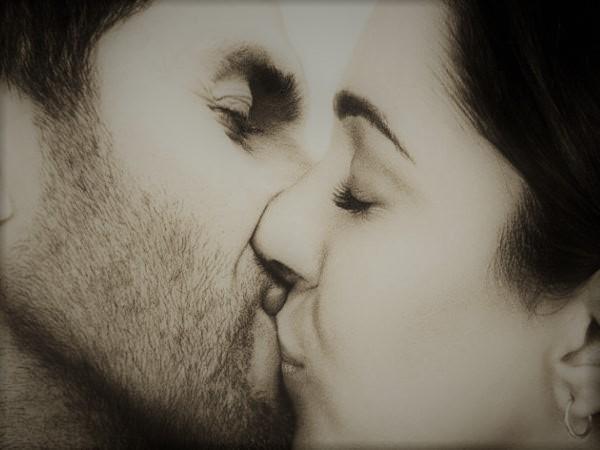 Le baiser nous rend plus amoureux