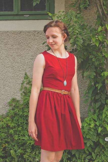 Kleid Burda Mod 133 08/2012