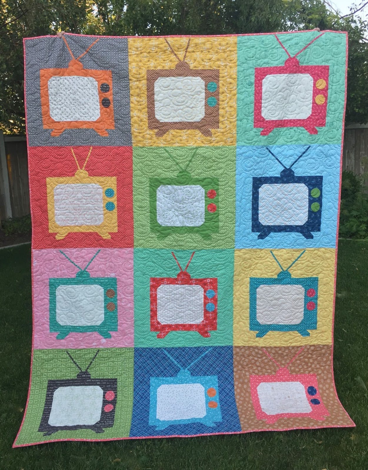 Bee In My Bonnet Movie Night Snuggle Quilt Tutorial