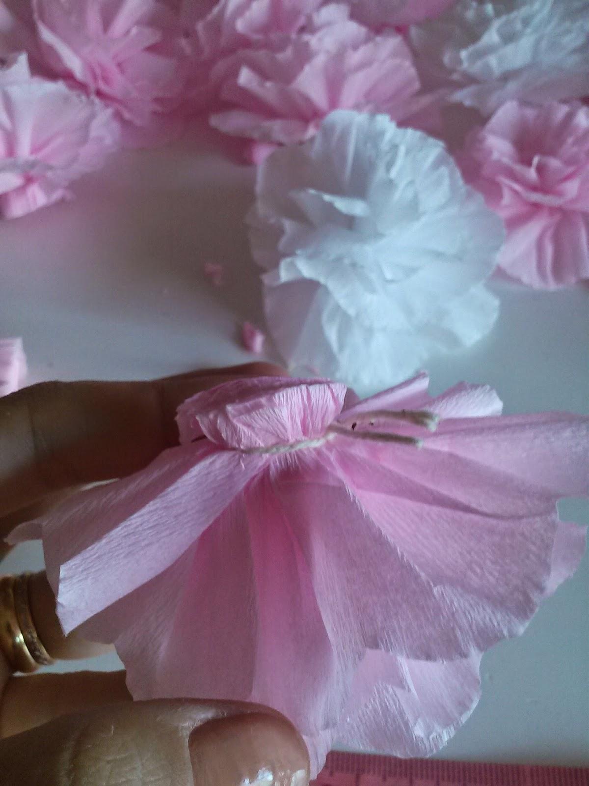 como fazer flor em papel
