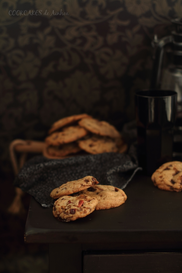 Cookies con chocolate, toffee y nueces pacanas