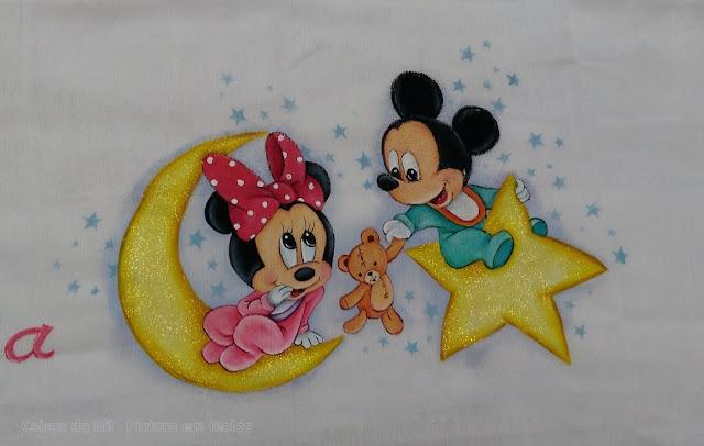 pintura em fralda mickey e minnie baby com lua e estrela