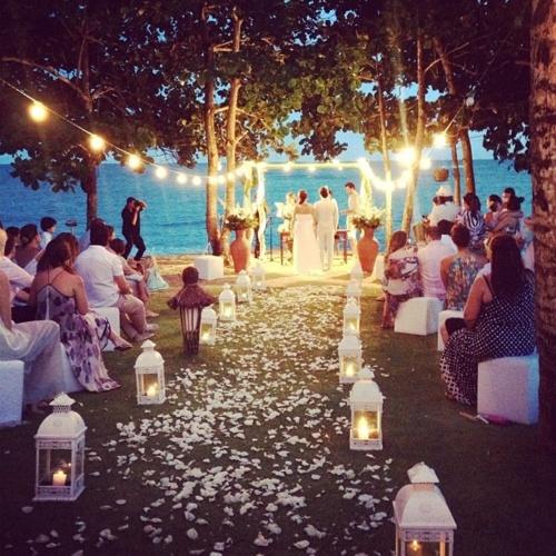 Lake Wedding Ideas: Lamb & Blonde: Wedding Wednesday: Beautiful Beach Theme