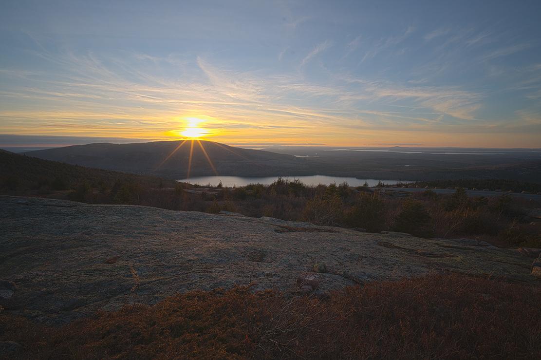 Пейзаж с закатом
