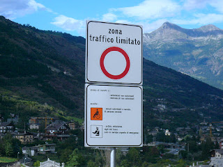 The sign for an Italian ZTL zona a traffica limitato, or limited traffic zone