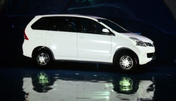 2013 New Daihatsu Xenia Review