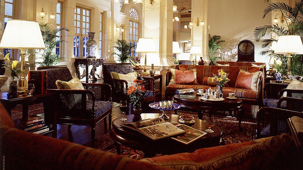Loveisspeed The Luxurious Raffles Hotel Singapore
