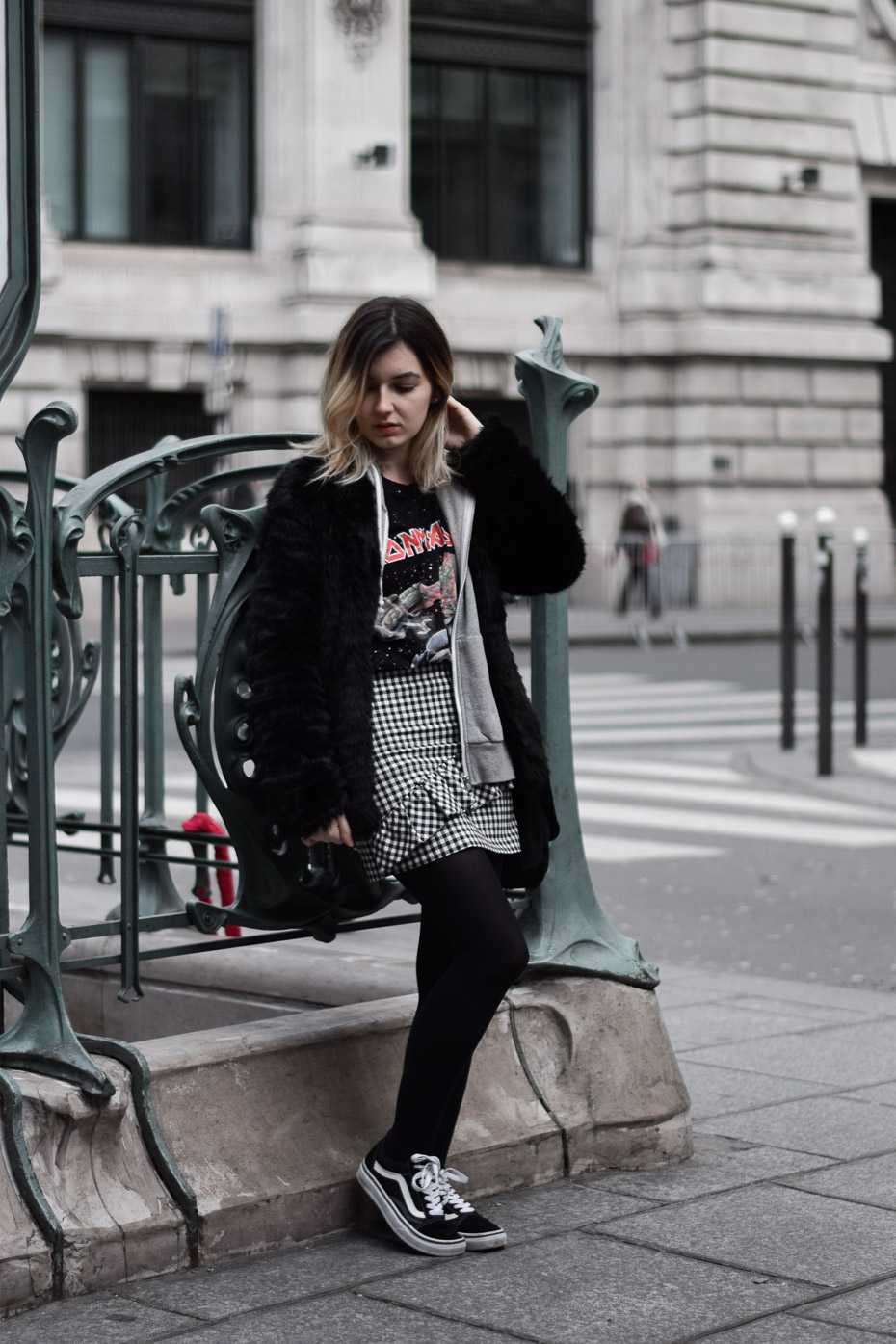 blogueuse lyonnaise outfit winter look vans old skool