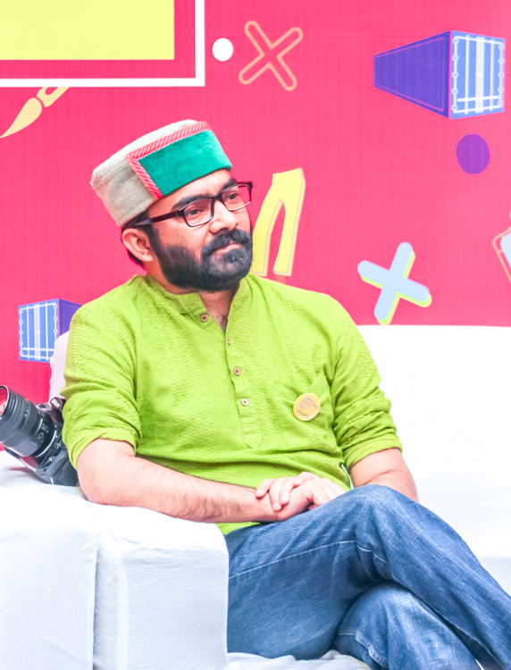 I was part of a panel to discuss Travel, Tourism & Blogging in India. It was fun to interact with fellow Travel Bloggers and photography enthusiasts. My main focus was on responsible tourism in the country and how influencers can change a lot in this direction. Tourism in our country is increasing at a very fast pace and doing it right is extremely important. Habits of Indian tourisms at a generic scale are not very encouraging when we look into future. There is lot to do in terms of educating tourists, enabling local businesses to think about ecological system. Students had some very interesting and challenging questions. And to be honest, many of those questions invoked new thoughts in our heads.