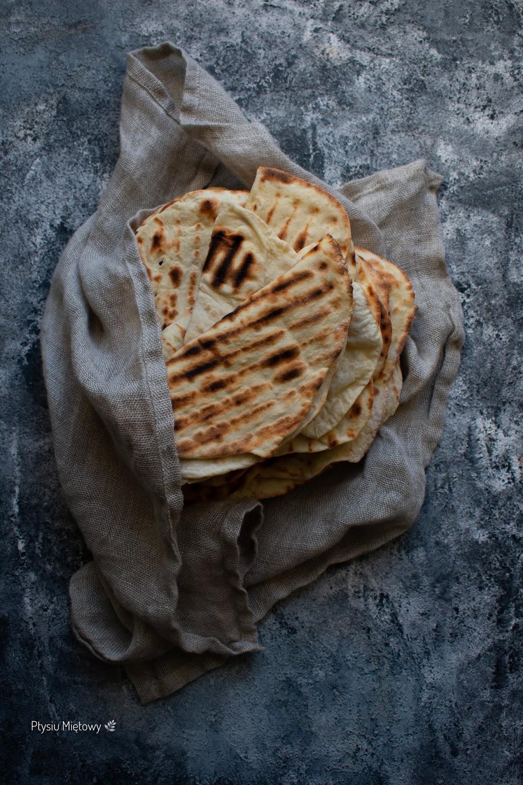 naan, chleb, ptysiu mietowy