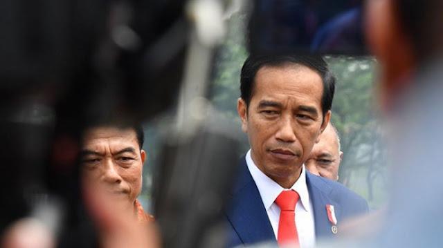 Banyak Jenderal di Belakang Jokowi, Moeldoko Bilang Bukan untuk Lawan Prabowo