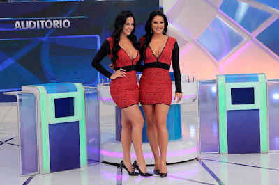 """Paulinha, o """"clone"""", e Helen (Crédito: Lourival Ribeiro/SBT)"""