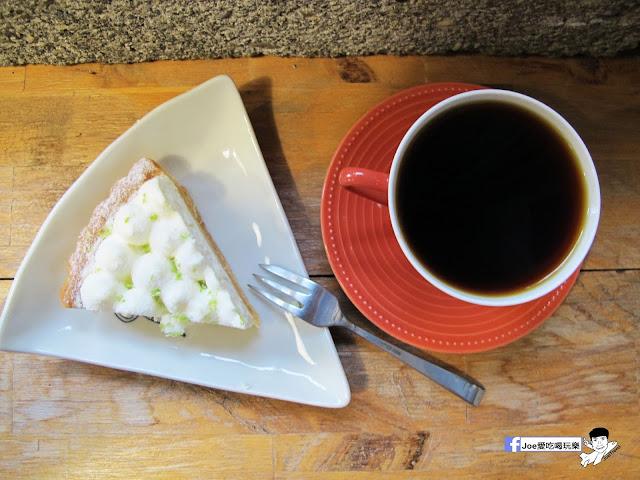 IMG 1112 - 【台中咖啡】隱藏在一般住家裡的老宅咖啡香 | 窩柢 咖啡公寓 | 手沖咖啡 | 手作甜點 | 教師新村 |