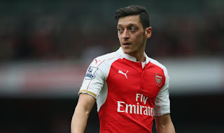[Photos] Arsenal Fans Attack Mesut Ozil After Official Announcement